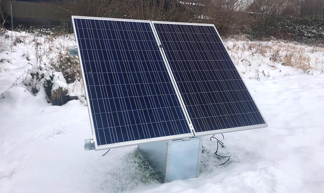 Stecker Solar zur Aufstellung im Garten